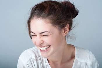 sourire-efface-les-parenthèses